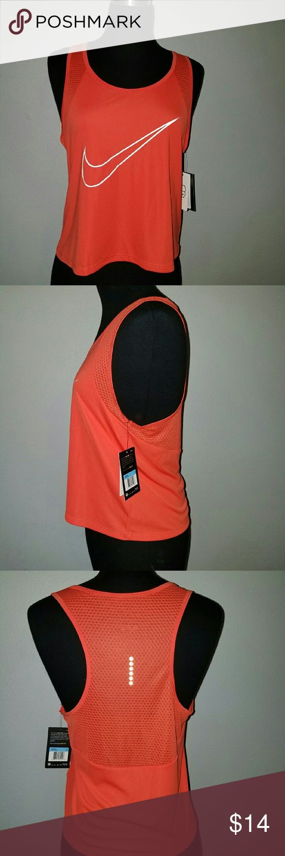 Nike womans crop top Light weight cross training,running crop top Nike Tops Crop Tops