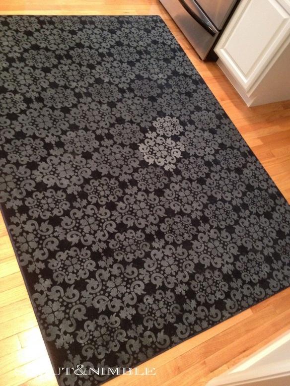 How to stencil on a rug, turn a plain rug into a custom carpet!