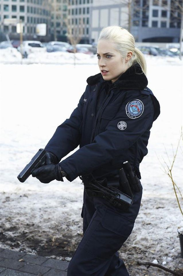 Charlotte Sullivan: Man or Robot for Her Next Big Role? Here's Our Interview with this Rookie Blue TV Star