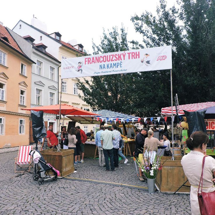 French Market on Kampa at Charles Bridge till this Sunday. Enjoy French wines, cheese, ham, snails and music!