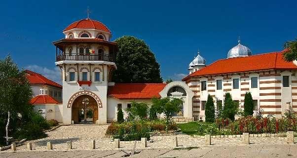 Manastirea-Dervent2015