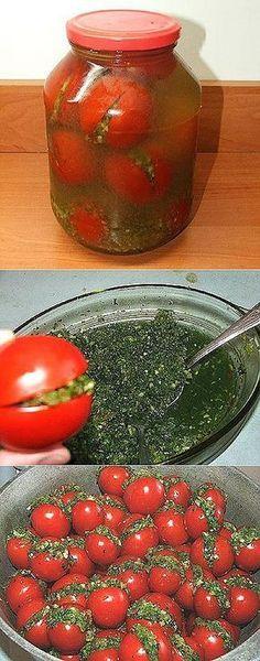 фаршированные помидоры. Это не консервация в плане заготовки на зиму, но как дополнительная закуска - очень даже отличная. Долго эти помидоры не простоят - настолько вкусные получаются. Мужчины оценят 100%.