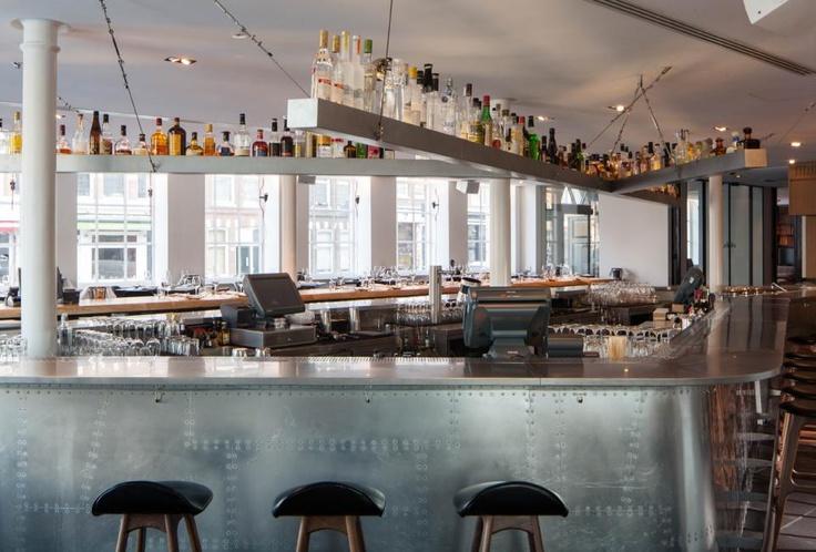 Izakaya Japanese Restaurant by BK Architects / delood