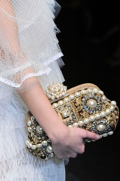 d pearls: Evening Bags, Celebrity Style, Fashion Style, Design Handbags, Vintage Clutch, Dolce & Gabbana, Timeless Style, Clutches Bags, Pearls Jewelry