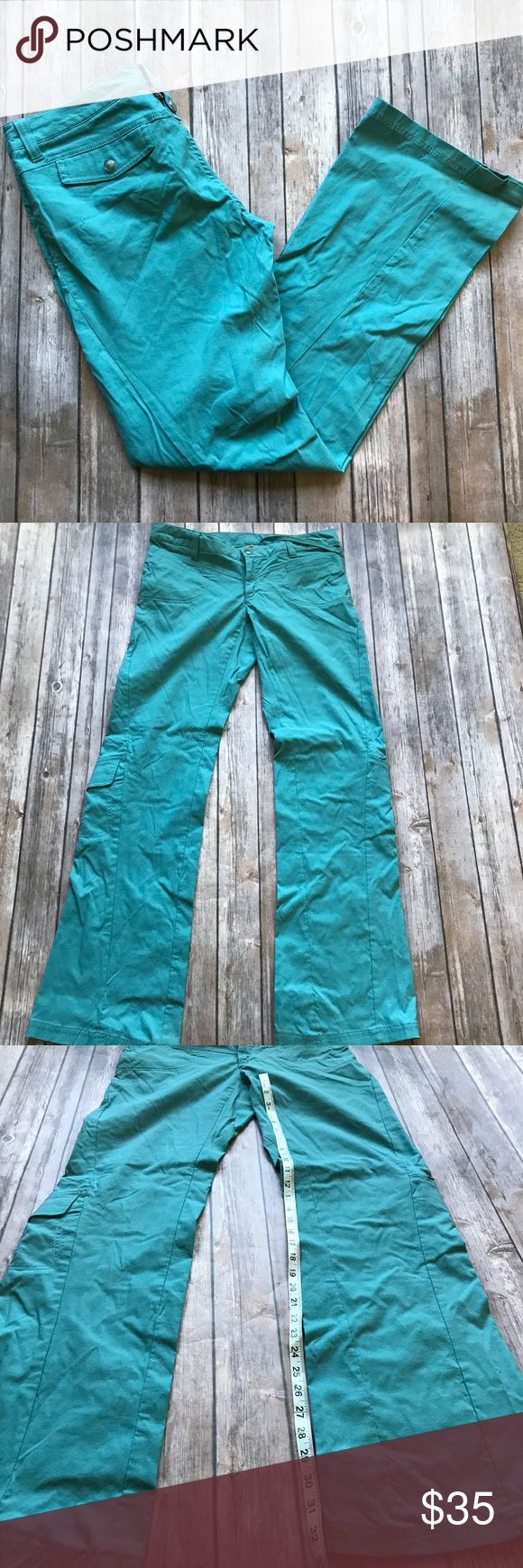 Athleta Ski Pants Size 10 Tall Great condition turquoise ski pants- size 10 Tall slightly flared from Athleta. 💠From a clean and smoke free home!💠 Add to a bundle to get a private discount💠Free Gift with $25+ Purchase 💠 Discount ALWAYS Available on 2+ items💠 No trades, holds, modeling or transactions off of Poshmark.💠 Athleta Pants