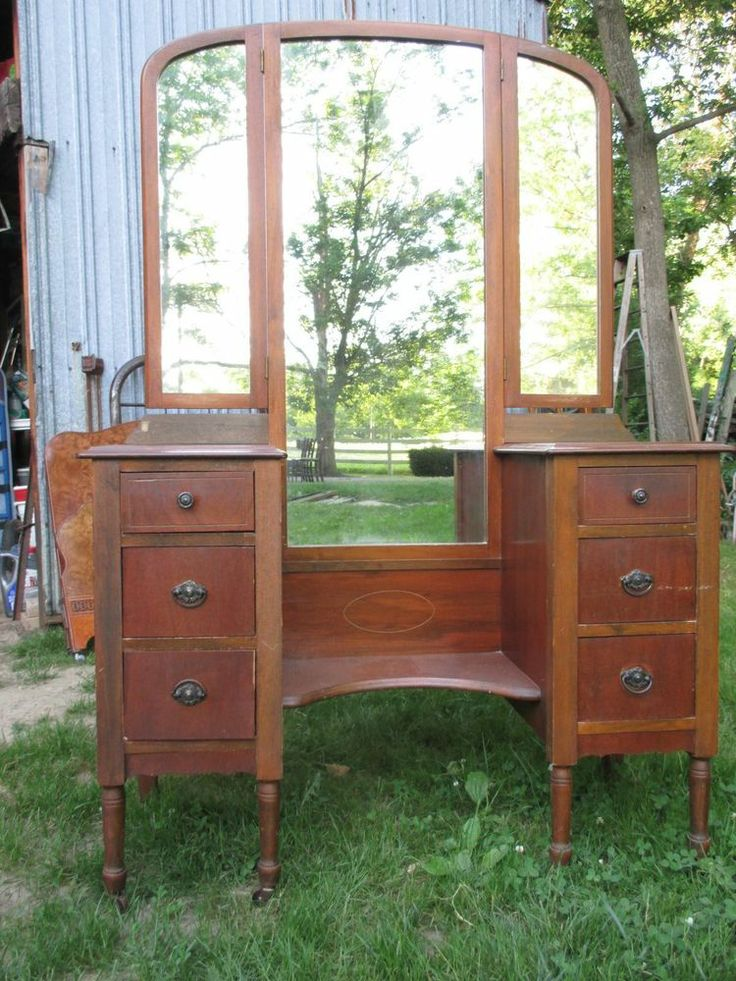 Vintage Vanity Dresser Tri Fold Mirrors Would Be Great To