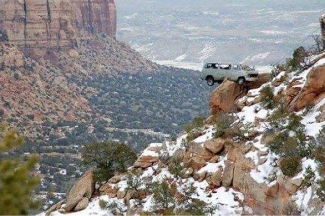 Apa Yang Anda Lakukan Jika Mobil Darurat Berada Di Tepi Jurang?