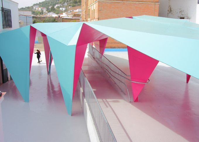 *오리가미 파빌리온 [ Julio Barreno Gutiérrez ] folded-steel shelter for a school playground :: 5osA: [오사]