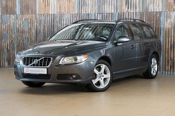 the 25 best ideas about volvo v70 d5 on pinterest volvo v70 volvo v70r and volvo station wagon. Black Bedroom Furniture Sets. Home Design Ideas