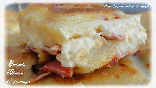 Hello tout le monde ! J'ai une excellente recette à vous proposer aujourd'hui, il s'agit d'une Cuajada au chorizo & vache qui rit ... Je me suis inspirée de la recette de Cuajada chorizo & boursin du blog Dans vos Assiettes ... Cette cuajada est un délice...