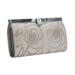 Arata-i sotiei ca ii cunosti stilul oferindu-i cadou pentru femeia capricorn un portofel plic Romance, de la Giudi, din piele naturala