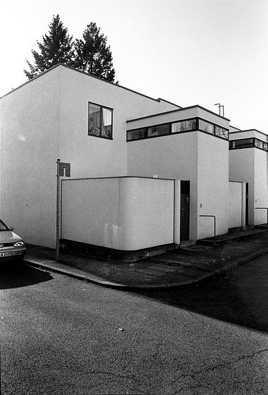 Jacobus johannes pieter oud wei enhofsiedlung row houses for Villas weissenhofsiedlung