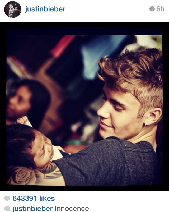 Justin Bieber... Awww that's so cute Justin gonna be a great daddy... Love you Justin so much you are my Idol.. i am a #ProudBelieberForever xxxxx <3 <3 <3 <3 <3