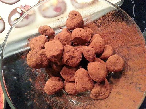 Truffes en chocolat : Recette de Truffes en chocolat - Marmiton