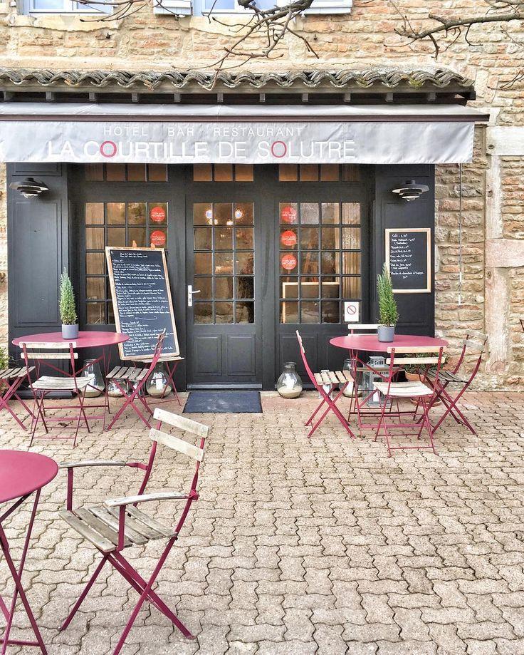 Will be trying this on next foray to Burgundy. Pin discovered by Laura Bradbury www.laurabradbury.com Ce midi nous avons découvert une très belle adresse, au pied de la Roche de Solutré : la Courtille de Solutré !Saveurs, gentillesse, deco au top... On vous en parle très vite sur le site ! #Solutré #destination71 #Bourgogne #igersbourgogne #saoneetloire #igersfrance #restaurant #frenchfood #gastronomy  #Regram via @welovebourgogne