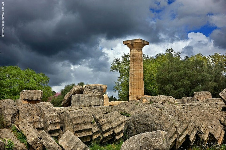 Οκει ναός του Δία στην αρχαία Ολυμπία