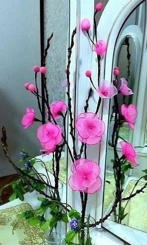 Яркие цветы из капрона