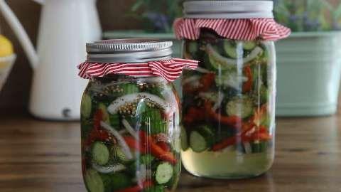 how to make pickles crisp alum