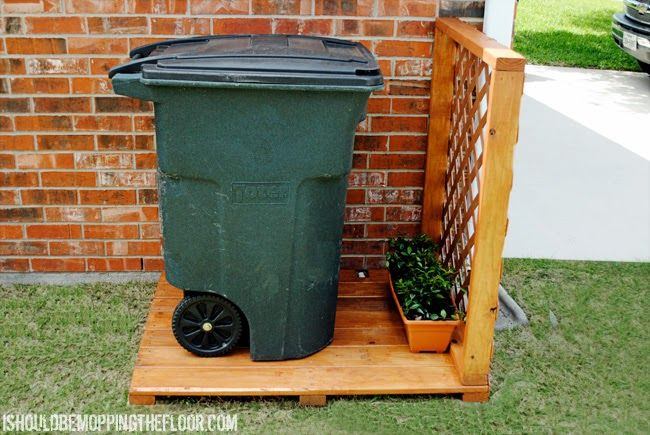 Great tutorial to create a simple garbage can storage area. Step-by-step photos and detailed instructions. Put this together in one morning.