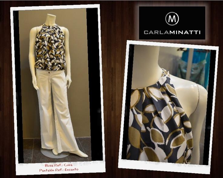 La sofisticación que le dan los pliegues que nacen desde el cuello en esta sencilla blusa, la hacen una de las más vendidas de nuestra actual colección Bahiana.