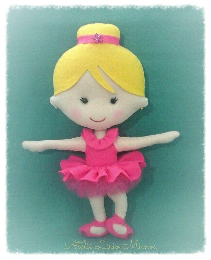 Boneca de feltro - bailarina