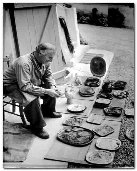 Chagall ( 1887-1985)  au travail.