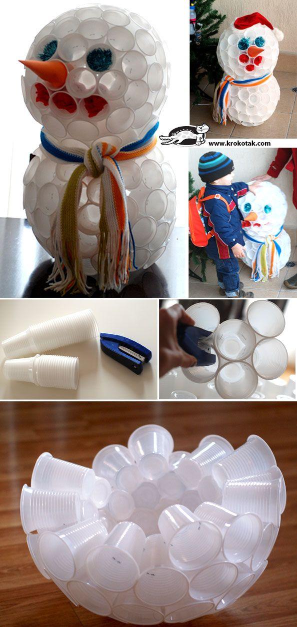 Plastic Cup SNOWMAN, and why not ??? olaf.  Bonhomme de neige avec des verres en plastiques, et pourquoi pas olaf??