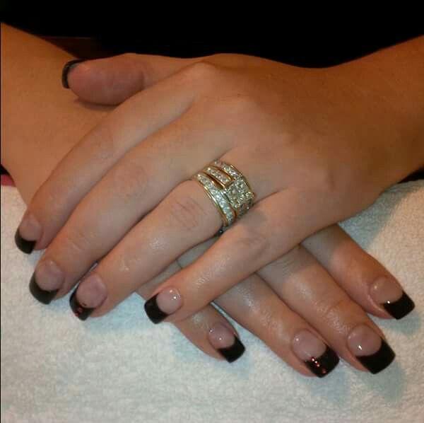 LCN #gelnails #frenchmanicure  #black  #LCNproductsonly #facebookgetnailedbyApril