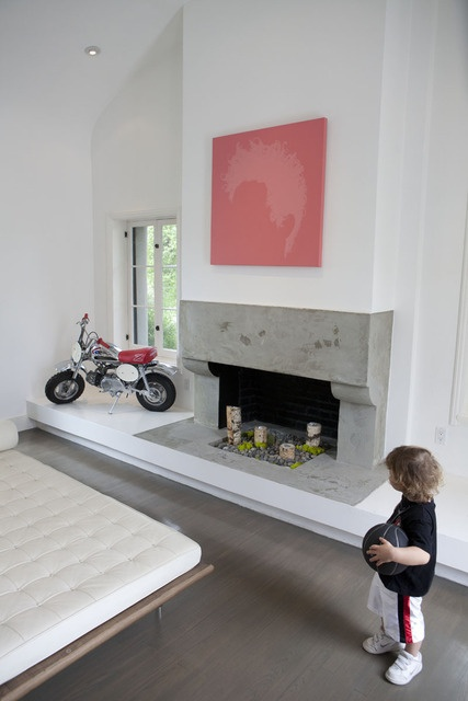 Modern/traditional fireplace