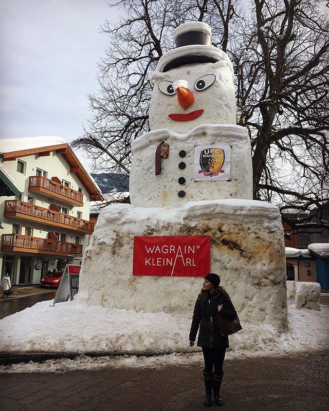 Vaya muñeco de nieve!  Austria sí que tiene historias que contar...