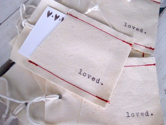 Reusable fabric pocket tag...I love the idea of this...great for gift cards & the gift of cash!
