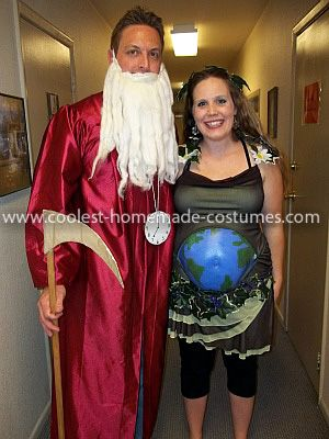 coolest mother earth and father time pregnant couple costume - Pregnant Halloween Couples Costumes