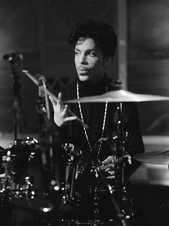 Pin By Stephanie Patterson Bradbery On Prince Musical Genius The Artist Prince Prince Tribute Prince