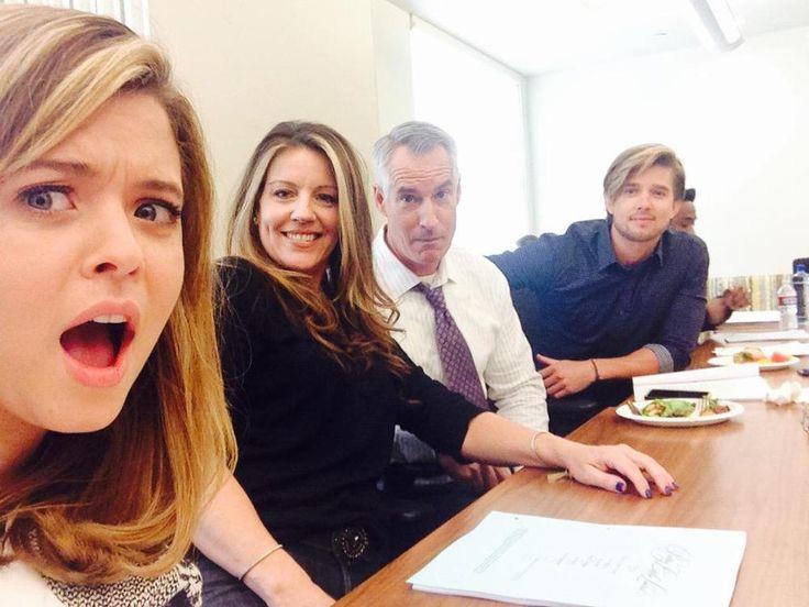 Pretty Little Liars Season 6 Spoilers: DiLaurentis Family Reunion