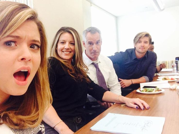 Pretty Little Liars Season 6 Spoilers: DiLaurentis Family Reunion