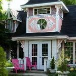 Gingerbread House Inn B&B