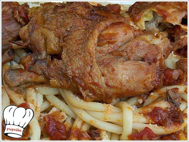 ΚΟΚΟΡΑΣ ΧΩΡΙΑΤΙΚΟΣ ΚΡΑΣΑΤΟΣ ΜΕ ΧΟΝΤΡΑ ΜΑΚΑΡΟΝΙΑ!!! | Νόστιμες Συνταγές της Γωγώς