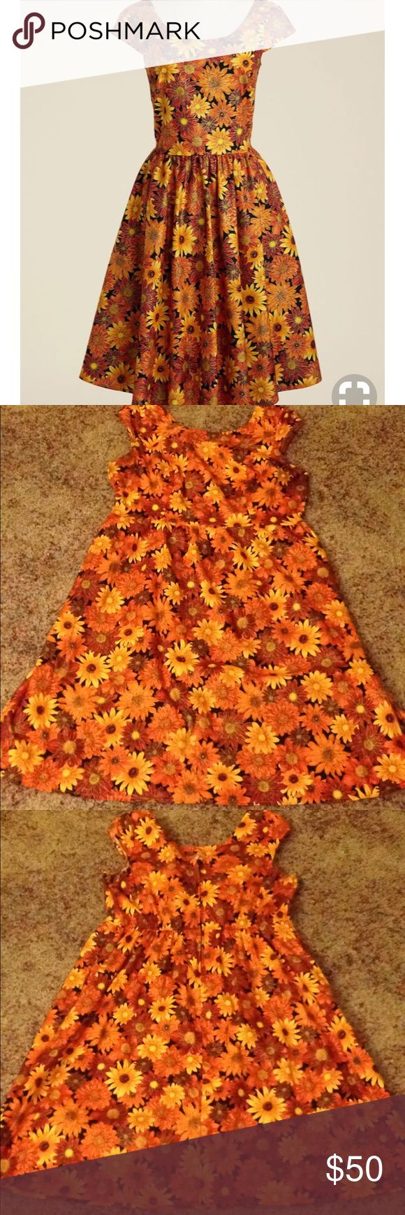 """Size 1x Floral Dress EUC-only worn a handful of times. Has pockets. Brand: Retrolicious. Was sold on ModCloth as """" Autumn Leaf Festival Dress"""" Modcloth Dresses"""