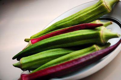Kandungan gizi dan manfaat okra untuk kesehatan. Okra adalah sayuran lama yang ditemukan sekitar 3500 tahun yang lalu. Sama seperti banyak sayuran lain, okra mengandung banyak nutrisi yang dapat bermanfaat untuk meningkatkan kesehatan secara keseluruhan. Okra bahkan dipercaya sebagai salah satu sayuran favorit Cleopatra. Selama Perang Dunia II, orang menggunakan biji okra sebagai alternatif biji kopi.