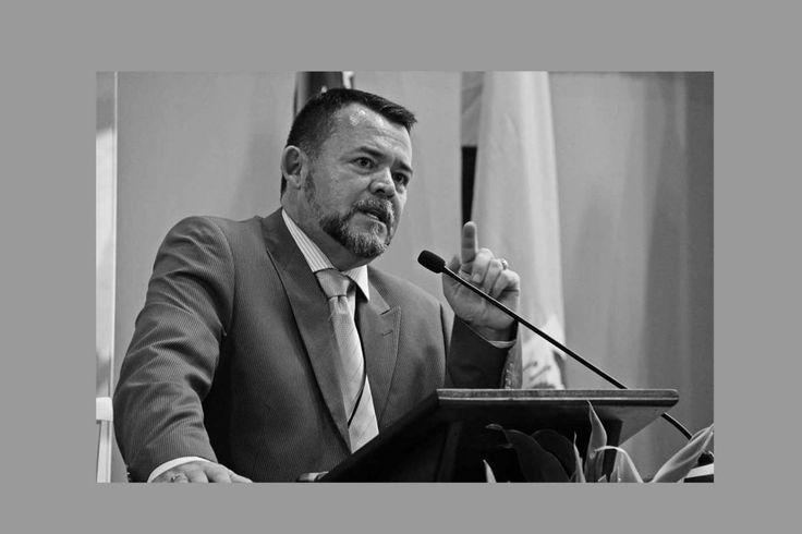 La Firma de Abogados CR – Su despacho de confianza #un #abogado http://singapore.nef2.com/la-firma-de-abogados-cr-su-despacho-de-confianza-un-abogado/  Lic. Rafael Rodriguez Salazar Siga informado con los Artículos Recientes Bienvenido a la Web de La Firma de Abogados, Bufete de Notarios y Abogados Penalistas, Laborales, Familiares y de Derecho Administrativo. Nuestros abogados y consultores le atenderán para defender su caso en cualquier provincia de Costa Rica. Durante 20 años nuestros…