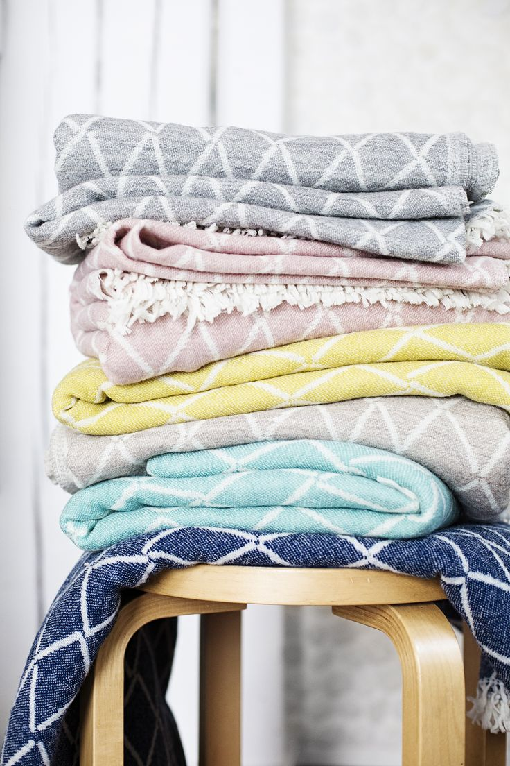 ESKIMO 100% wool throw in delicious colours. Design Reeta Ek, woven by Lapuan Kankurit in Finland.