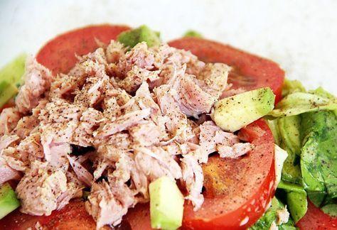 Питательный овощной салат с тунцом | VkusnoShow