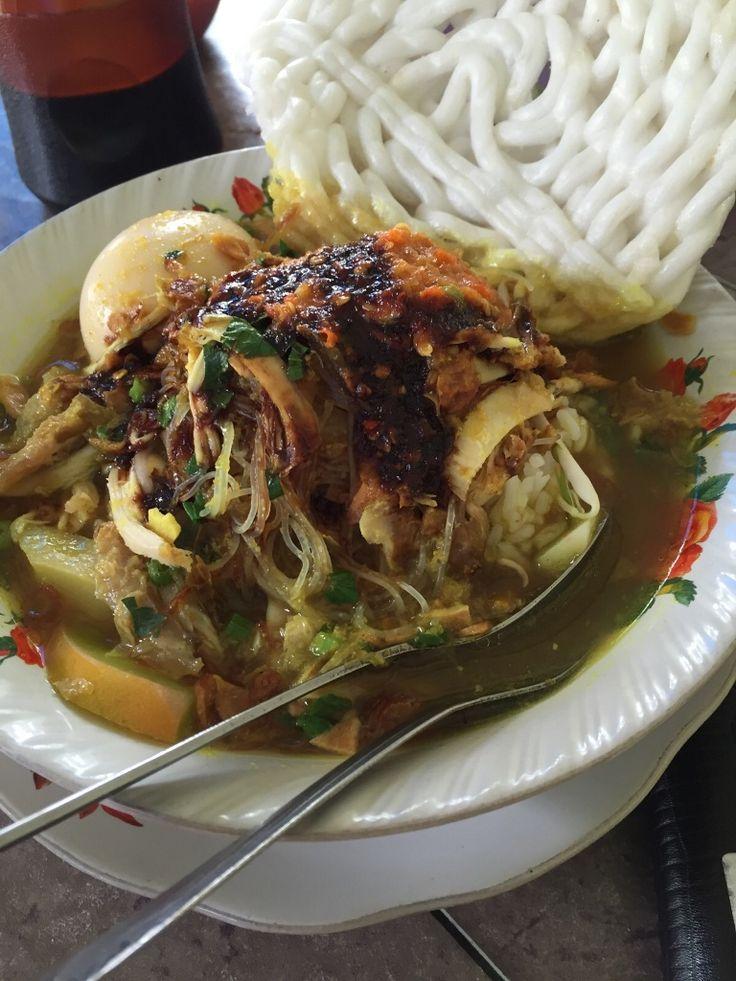 Enam Kebiasaan Khas Orang Indonesia Saat Makan, Kamu Termasuk?