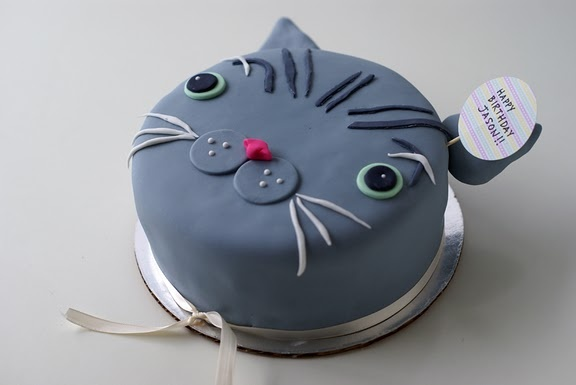 CAT CAKE! amazing from coco cakes