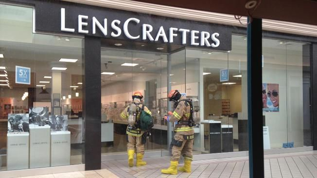 Man Sprinkled Fiancee's Ashes at LEnsCrafters, Causing Florida Mall's Evacuation - Sarasota, FL - ClippingBook - Insane Stories Coming Out of Florida, Crazy news stories, only in florida, news