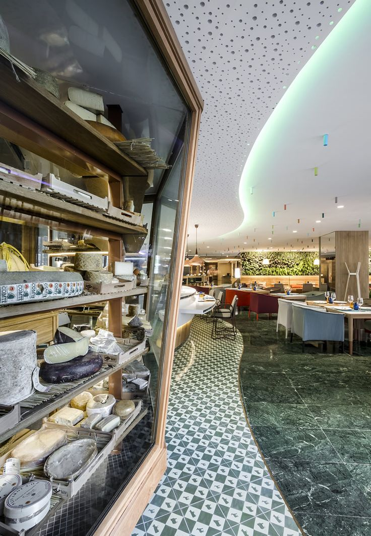 Cheese Bar Barcelona is even better than the mouthwatering name suggests... http://www.we-heart.com/2014/11/11/poncelet-cheese-bar-barcelona/