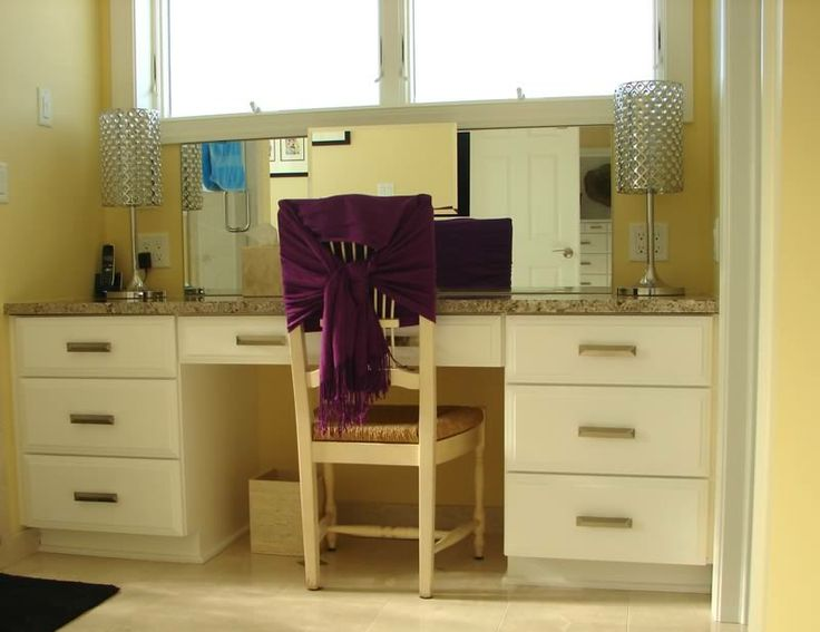 25 best ideas about bathroom makeup vanities on pinterest makeup vanities ideas makeup for Built in bathroom vanities and cabinets
