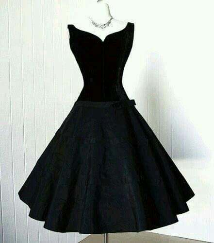 Black dress                                                                                                                                                                                 Más