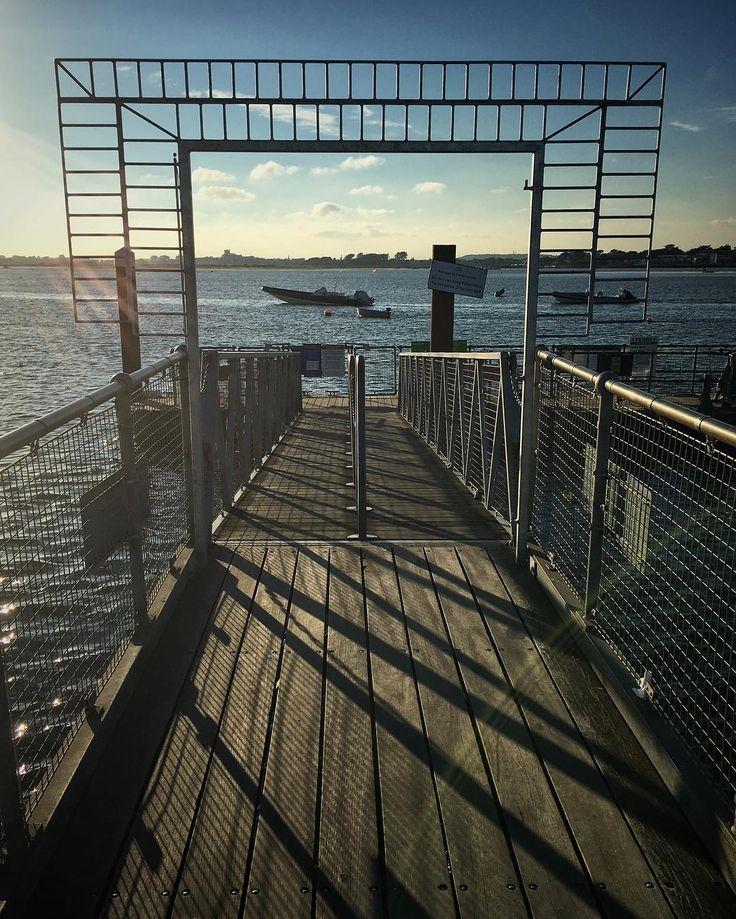 Looking the other way. #seaside #mudeford #shadows #sun #holiday #ferryjetty #sea #sky #bluesky #iphone6s #beaniedee