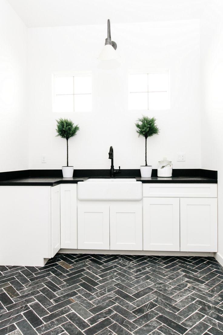 laundry room reveal - Kchen Mit Weien Schrnken Und Arbeitsplatten Aus Granit